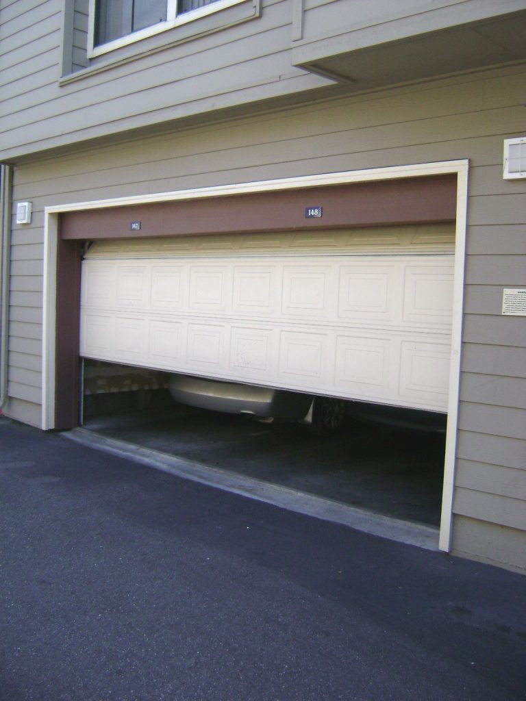 Garage door sliding up auckland