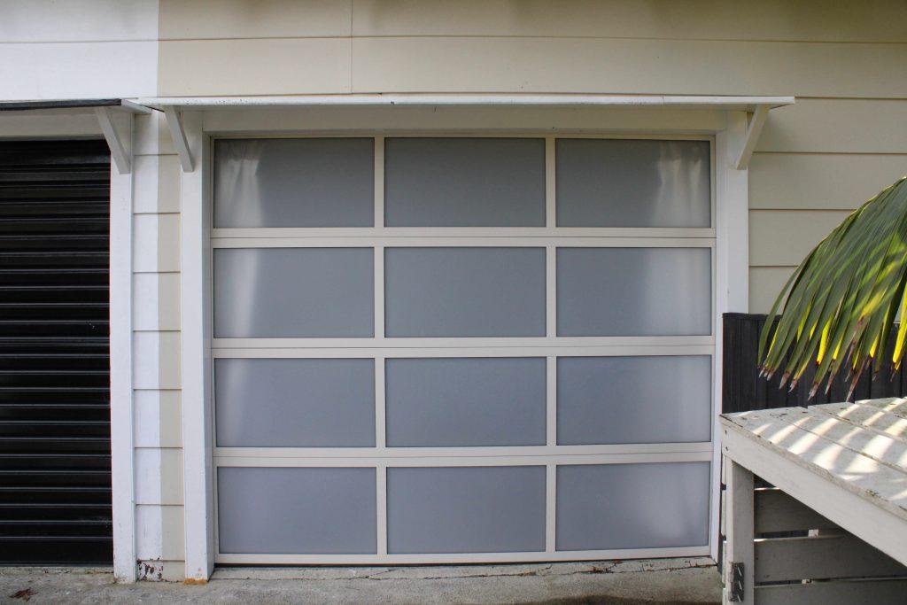 Plexiglass Snow Single Door